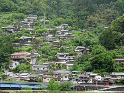 山肌の住宅-5(20160516).jpg